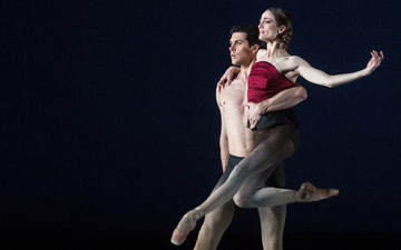 Julie Kent and Roberto Bolle in Marcelo Gomes' Apothéose.© Marty Sohl. (Click image for larger version)