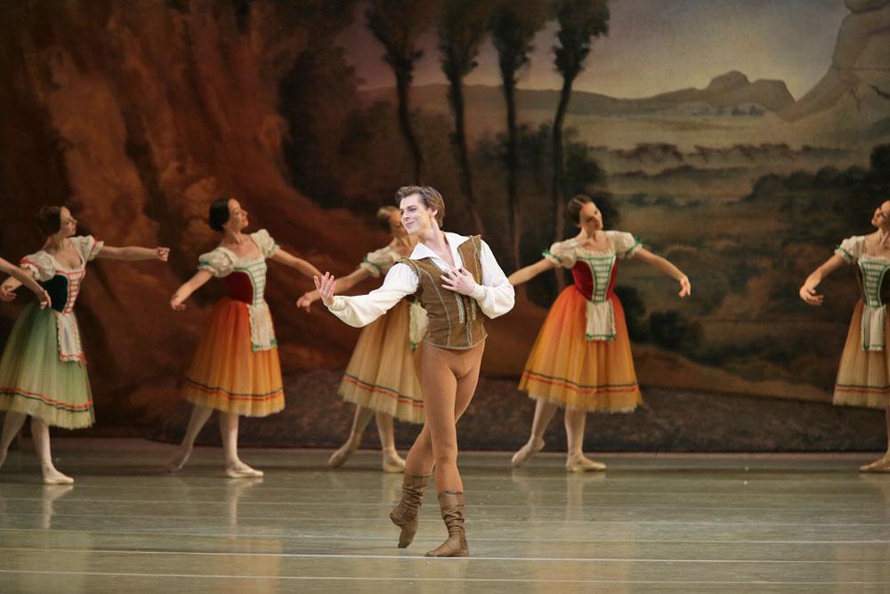 Vladimir Shklyarov in <I>Giselle</I>.<br />© Natasha Razina. (Click image for larger version)