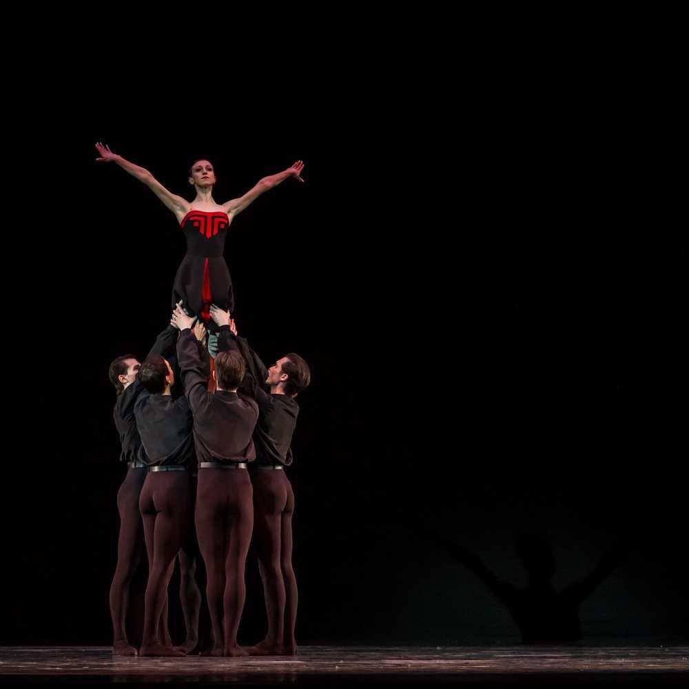 Elena Kabanova in Five Tangos.© Sergei Gutnik. (Click image for larger version)