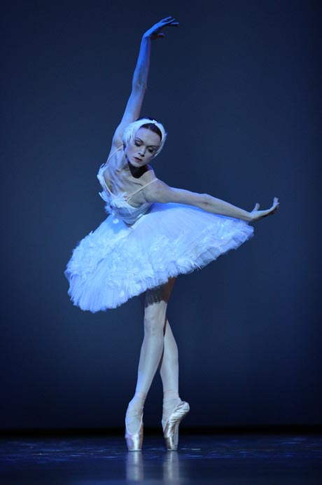 Uliana Lopatkina in <I>The Dying Swan</I>.<br />© Stas Levshin. (Click image for larger version)