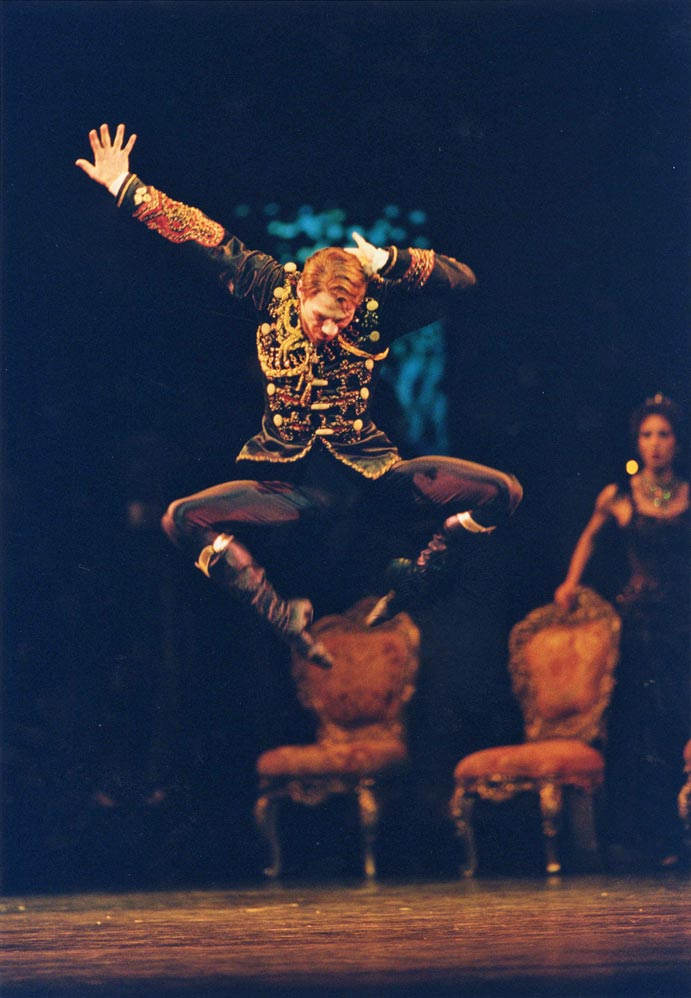 Johan Kobborg in Mayerling.© Bill Cooper, courtesy the Royal Opera House. (Click image for larger version)