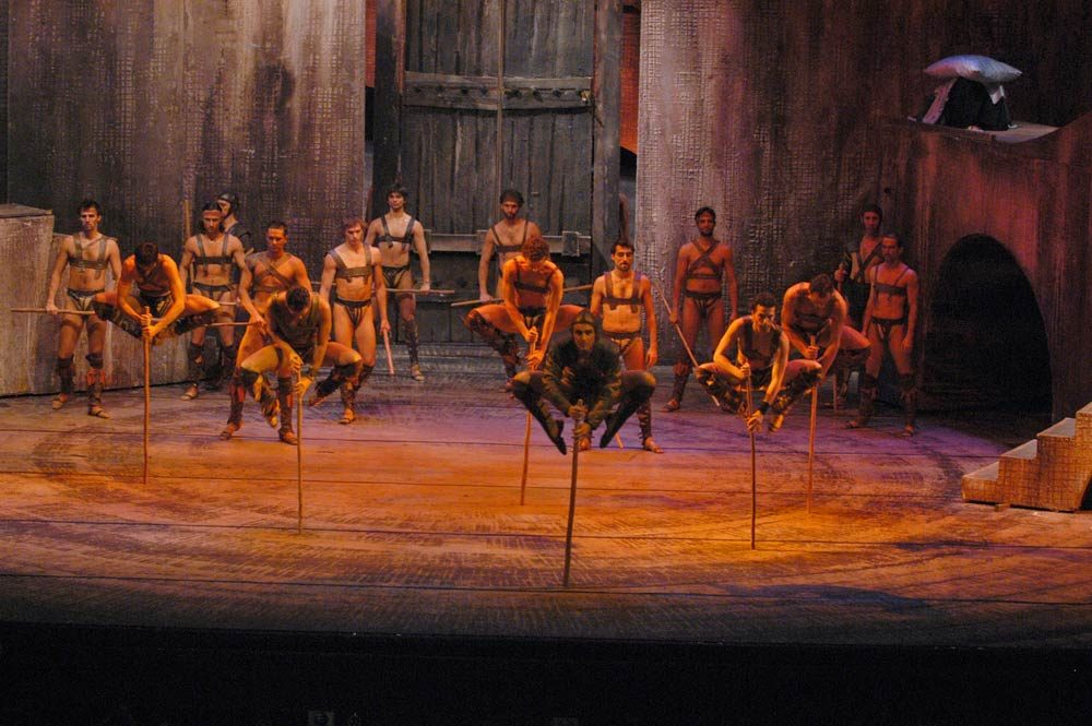 Hungarian National Ballet in Laszlo Seregi's Spartacus.© Bela Mezey. (Click image for larger version)