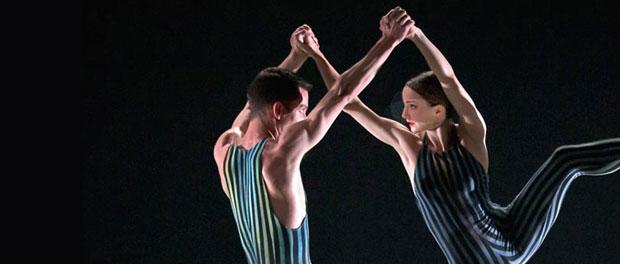 Hannah Bateman and Tobias Batley in Concertante.<br />© E Kauldhar. (Click image for larger version)
