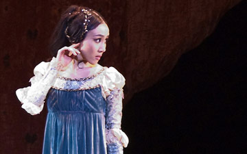 Hee Seo in Romeo and Juliet.© John Grigaitis. (Click image for larger version)