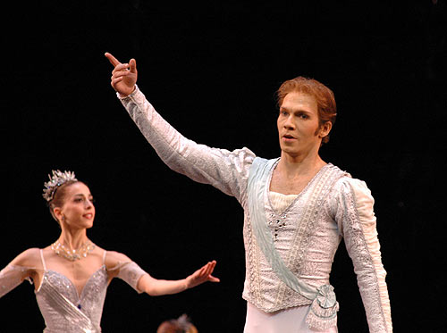 """Johan Kobborg (and Alexandra Ansanelli) in <I>Theme and Variations</I> (from a 2007 <a href=""""http://www.ballet.co.uk/gallery/jr_rb_childrenofadam_theme_0307"""">gallery by John Ross</a> on Balletco).<br />© John Ross, courtesy the Royal Opera House. (Click image for larger version)"""