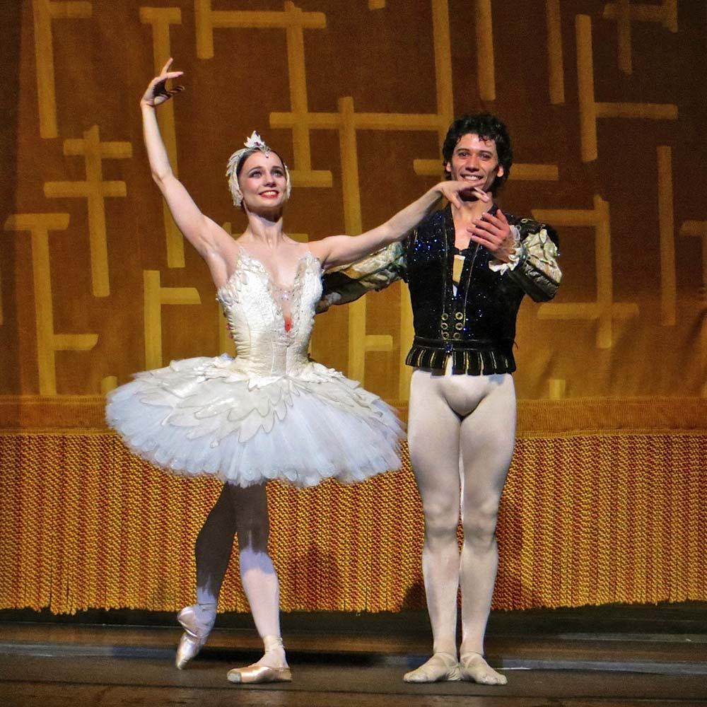 Maria Kochetkova and Herman Cornejo at their <I>Swan Lake</I> curtain call.<br />© Leena Hassan. (Click image for larger version)