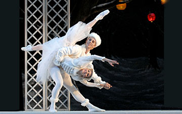 Sarasota Ballet's Jamie Carter and Christine Peixoto in Les Patineurs.© Linda Spillers. (Click image for larger version)