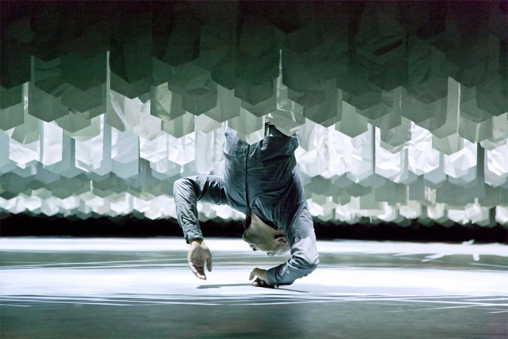 Akram Khan in <I>Desh</I>.<br />© Richard Haughton. (Click image for larger version)