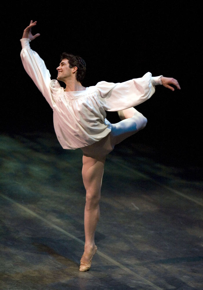 Romerto Bolle in <i>Romeo and Juliet</i>.<br />© Rosalie O'Connor. (Click image for larger version)