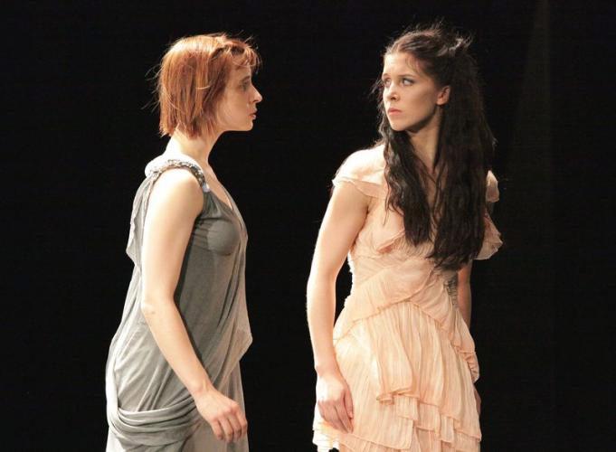 Tura Gomez Coll (Helena) and Franciszka Kierc (Hermia) in A Midsummer Night's Dream.© Sebastian Cwikla. (Click image for larger version)