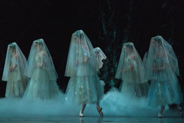 National Ballet of Canada in <I>Giselle</I>.<br />© Aleksandar Antonijevic. (Click image for larger version