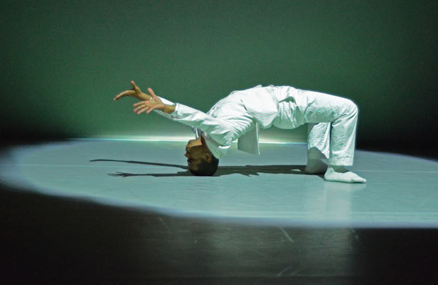 Jean Abreu in <I>BLOOD</I>.<br />© Dave Morgan. (Click image for larger version)