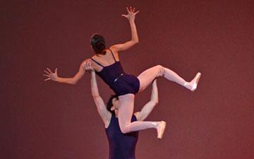 Lia Cirio and Lasha Khozashvili in Christopher Wheeldon's Polyphonia.© Dave Morgan. (Click image for larger version)