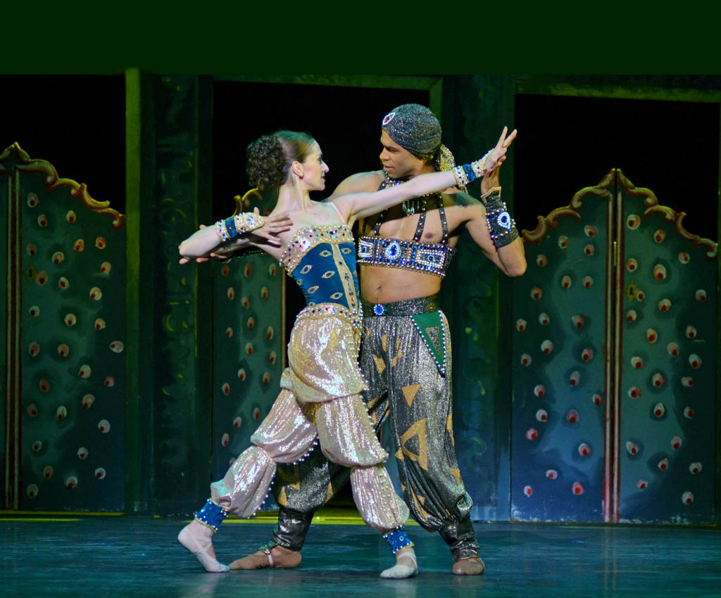 Carlos Acosta and Marianela Nunez in Scheherazade.© Dave Morgan. (Click image for larger version)