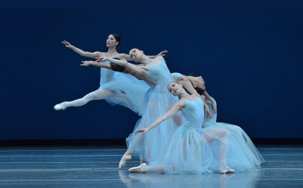 Boston ballet in Serenade.© Dave Morgan. (Click image for larger version)