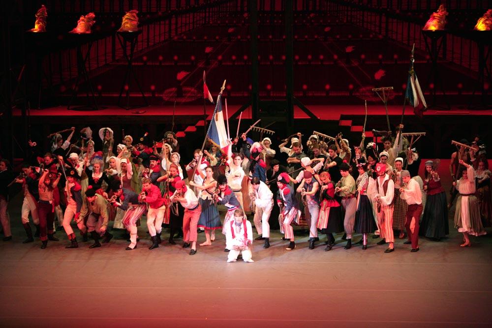 Bolshoi Ballet in The Flames of Paris.© Damir Yusupov. (Click image for larger version)