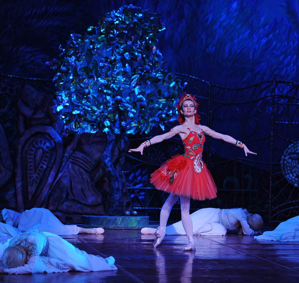 Alexandra Timofeyeva in <I>The Firebird</I>.<br />© Kristyna Kashvili. (Click image for larger version)