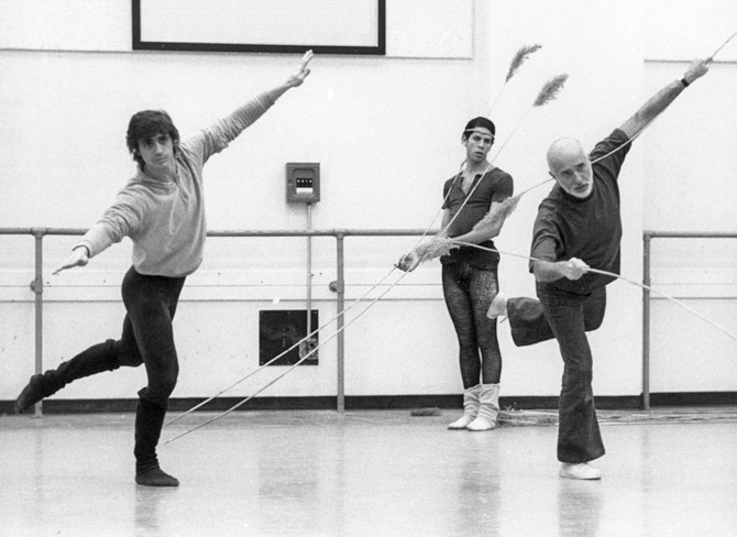 Edward Villella in rehearsal of the Watermill with Jerome Robbins in 1972.© Martha Swope, courtesy Edward Villella. (Click image for larger version)