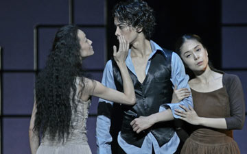Fan Xiaofeng, Wu Husheng and Xiang Jieyan in Jane Eyre.© Dave Morgan. (Click image for larger version)