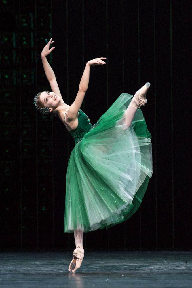 Evgenia Obraztsova in Emeralds, from Jewels.© Foteini Christofilopoulou. (Click image for larger version)