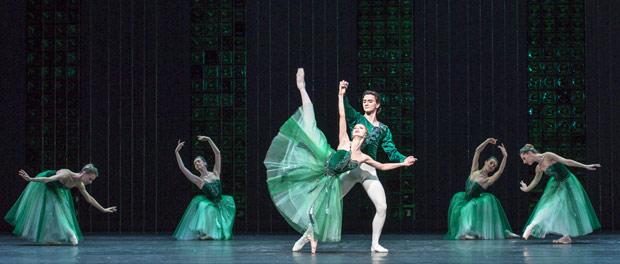 Evgenia Obraztsova & Vladislav Lantratov in <I>Emeralds</I>, from <I>Jewels</I>.<br />© Foteini Christofilopoulou. (Click image for larger version)