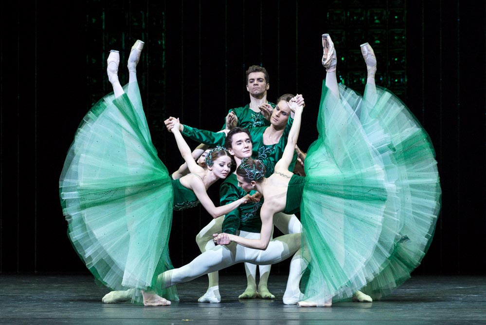 Bolshoi Ballet in <I>Emeralds</I>, from <I>Jewels</I>.<br />© Foteini Christofilopoulou. (Click image for larger version)