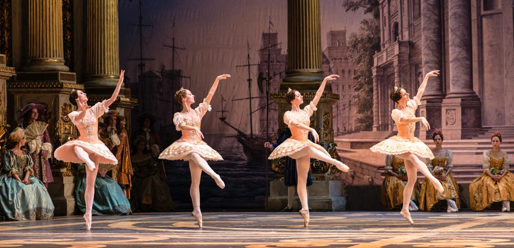 Bolshoi Ballet in <I>The Sleeping Beauty</I>.<br />© Foteini Christofilopoulou. (Click image for larger version)