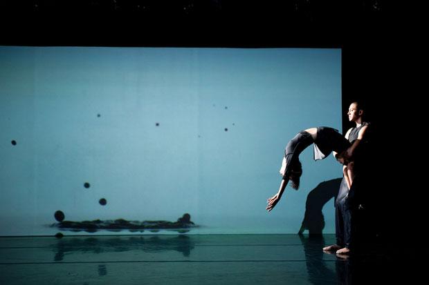 Clifton Brown and Kana Kimura in Lang's <I>I.N.K.</I>.<br />© Takao Komaru. (Click image for larger version)