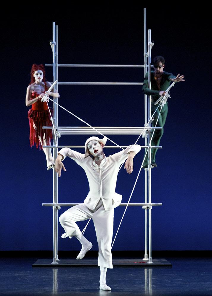 Owen Thorne, Luke Ahmet and Bethany Kingsley-Garner in Glen Tetley's Pierrot Lunaire for Scottish Ballet's Dance Odysseys.© Andrew Ross. (Click image for larger version)