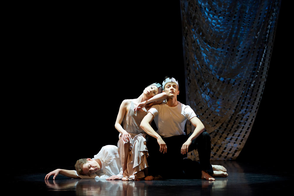 Lewis Landini, Quenby Hersh and Jamiel Laurence in Kenneth MacMillan's <I>Sea of Troubles</I>.<br />© Andy Ross. (Click image for larger version)