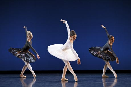 Quenby Hersh, Katie Webb and Natalie Dupouy in Christopher Hampson's <I>Silhouette</I>.<br />© Andrew Ross. (Click image for larger version)