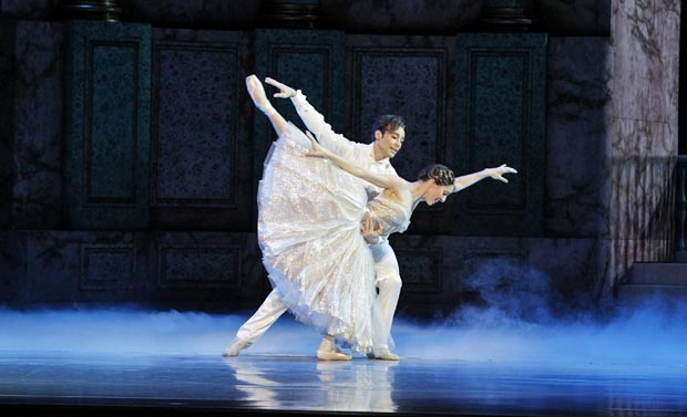Leanne Stojmenov and Daniel Gaudiello in <I>Cinderella</I>.<br />© Jeff Busby. (Click image for larger version)