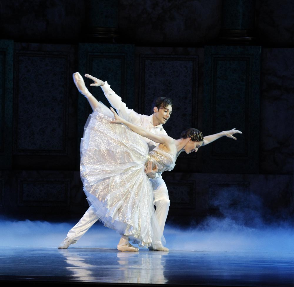 Leanne Stojmenov and Daniel Gaudiello in Cinderella.© Jeff Busby. (Click image for larger version)