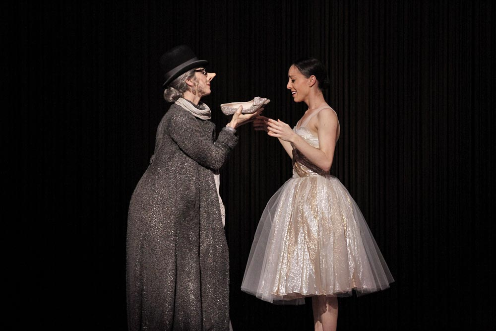 Lynette Wills and Leanne Stojmenov in <I>Cinderella</I>.<br />© Jeff Busby. (Click image for larger version)