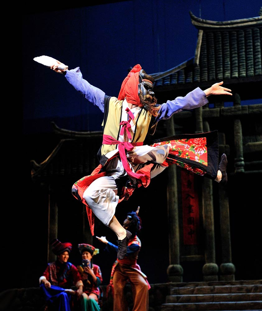 Hong Kong Dance Company in Masquerade.© William @ W12 Production. (Click image for larger version)