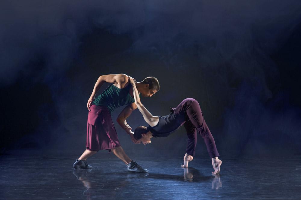 Kirill Burlov and Malgorzata Dzierzon in Ashley Page's <I>Subterrain</I>.<br />© Chris Nash. (Click image for larger version)