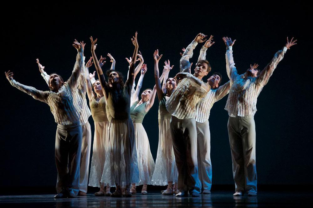 San Francisco Ballet in Wheeldon's Ghosts.© Erik Tomasson. (Click image for larger version)