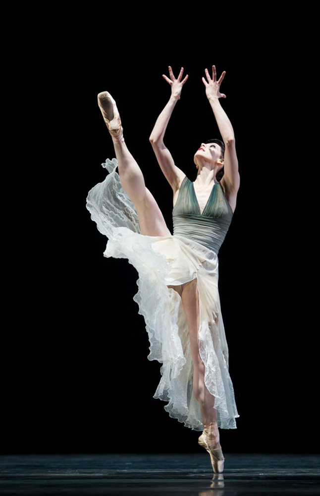 Sofiane Sylve in Wheeldon's Ghosts.© Erik Tomasson. (Click image for larger version)