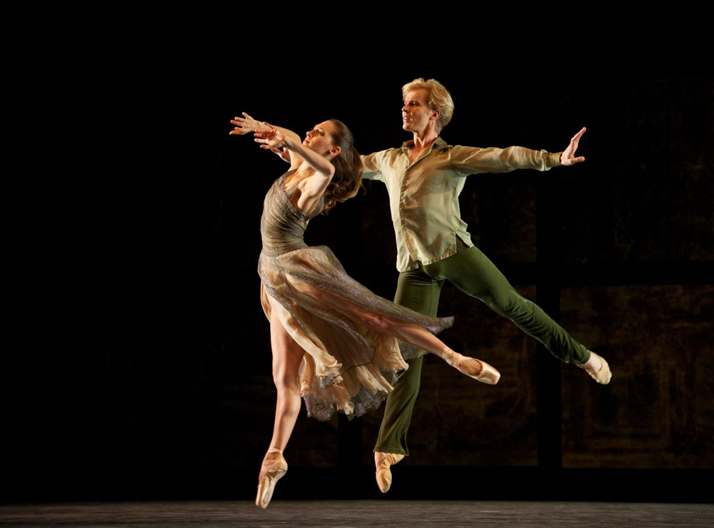 Sarah Van Patten and Tiit Helimets in Tomasson's Trio.© Erik Tomasson. (Click image for larger version)