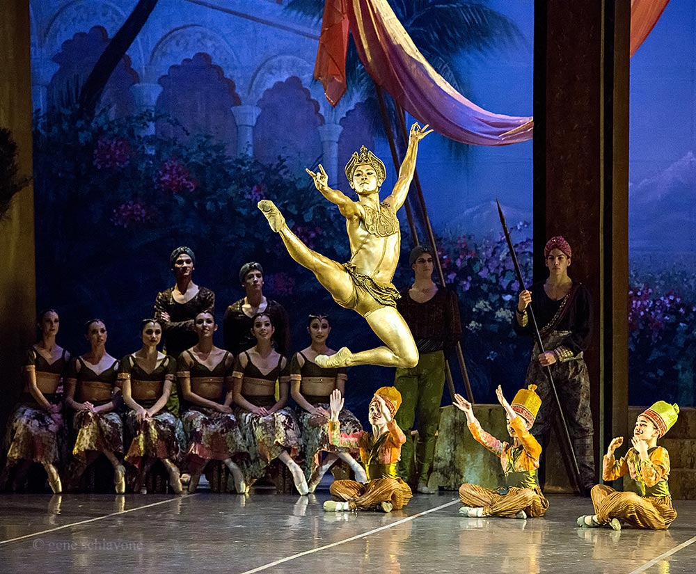 Jeffrey Cirio as the Golden Idol in La Bayadere.© Gene Schiavone. (Click image for larger version)