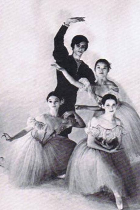 Pas de Dessés (Joffrey ), 1970 as a member of Joffrey II. Susan Jones on left, Eileen Brady on knee, Christine Uchida on right and David Loring.© Herb Migdall, from Susan Jones archive.