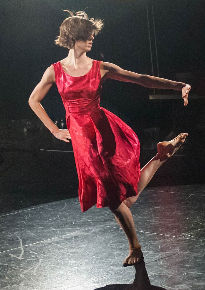 Dance Heginbotham promotional image - dancer Lindsey Jones.<br />© Stephanie Berger. (Click image for larger version)