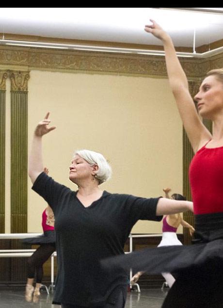 Susan Jones in the studio with Sarah Stein, staging Paquita in 2012.© Susan Jones archive snapshot.