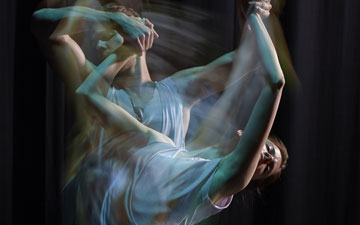 Unknown dancers in unknown piece from the 2013 bill Still / Current (also known as Still Current).© Warren Du Preez & Nick Thornton Jones. (Click image for larger version)