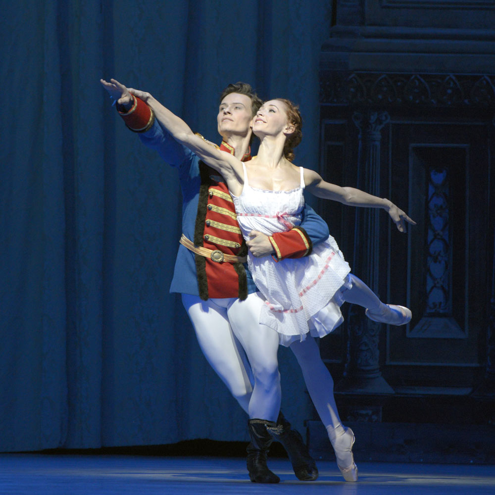 """Iana Salenko and Marian Walter in <I>The Nutcracker</I>.<br />© <a href=""""http://www.moving-moments.de/"""">Bettina Stoess</a>. (Click image for larger version)"""