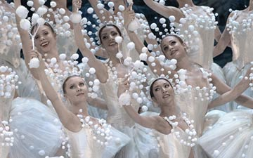 Staatsballett Berlin in The Nutcracker.© Bettina Stoess. (Click image for larger version)