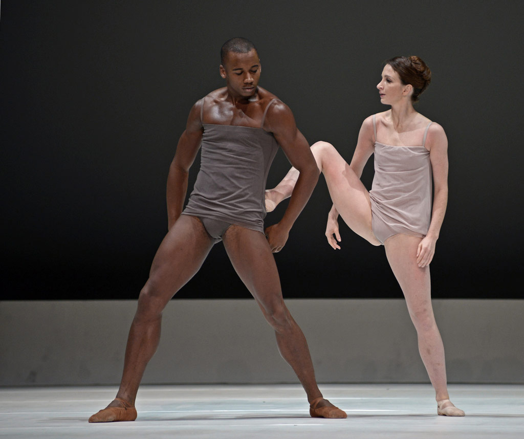Eric Underwood and Lauren Cuthbertson in Wayne McGregor's <I>Chroma</I>.<br />© Dave Morgan, courtesy the Royal Opera House. (Click image for larger version)