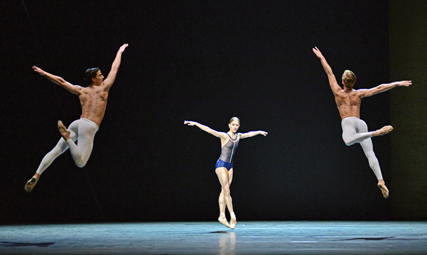 Johannes Stepanek, Marianela Nunez and Dawid Trzensimiech in David Dawson's <I>The Human Seasons</I>.<br />© Dave Morgan, courtesy the Royal Opera House. (Click image for larger version)