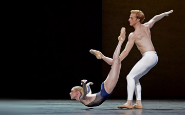 Sarah Lamb and Steven McRae in David Dawson's The Human Seasons.© Dave Morgan, courtesy the Royal Opera House. (Click image for larger version)