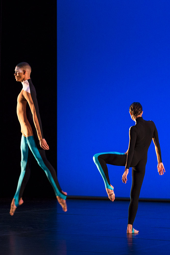 Harry Alexander and Oxana Panchenko in the 'Albatross' section of <I>All Three at Once</I>.<br />© Foteini Christofilopoulou. (Click image for larger version)